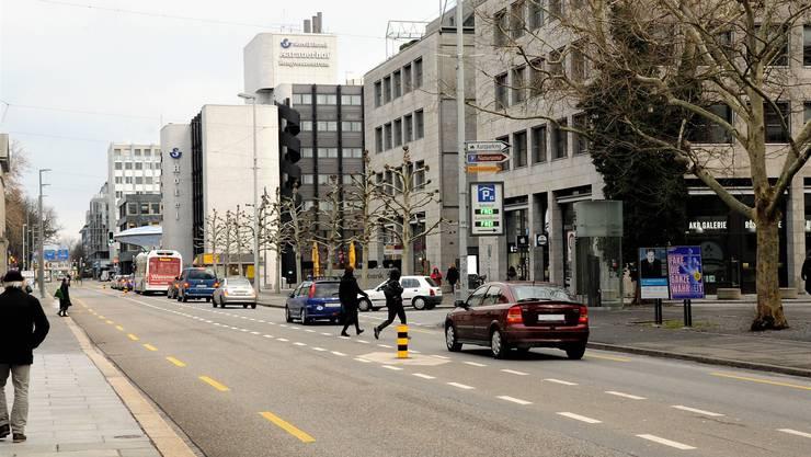 Eine Geschwindigkeitsreduktion auf der Bahnhofstrasse steht im Fokus der Stadt.