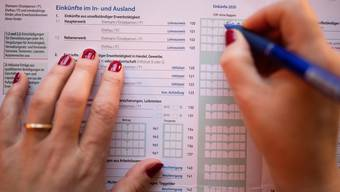Manche mögen lieber Papier. Für alle anderen gibt es die Steuererklärung auch elektronisch.