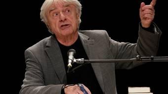 Sein Lebenswerk ist noch nicht abgeschlossen: Emil Steinberger steht weiterhin auf der Bühne, wie hier am Arosa Humorfestival (Archiv)
