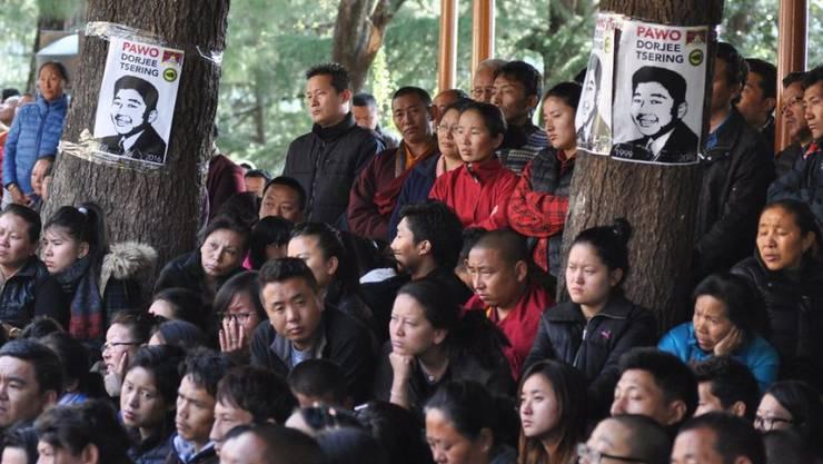 Exiltibeter gedenken im indischen McLeodganj des 16-jährigen Schülers, der sich aus Protest gegen die chinesische Kontrolle über seine Heimat selbst angezündet hatte und verstarb