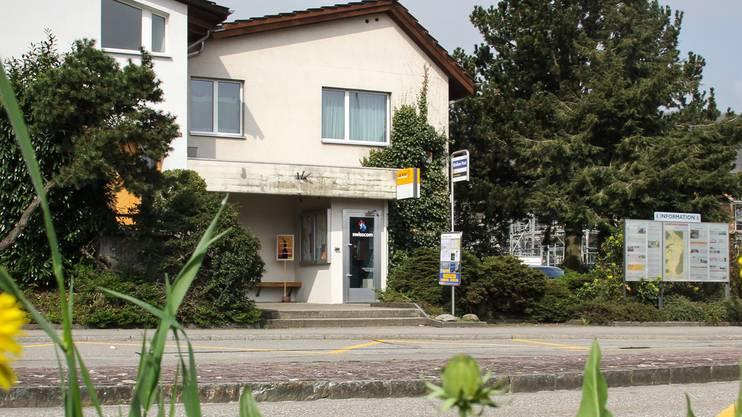 Ein öffentlicher Tatort: An der Bushaltestelle in Riniken erschoss Arfim M. 2009 seine Ehefrau. (Archiv)