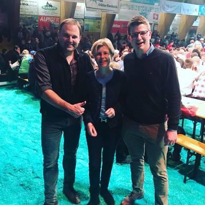 «Wir witzelten auch über die Präsidenten-Wahl»: Die Nationalräte Marcel Dettling, Esther Friedli und Mike Egger (von links) an einer Viehschau.