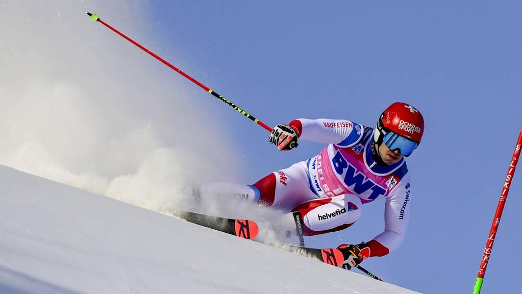 Loïc Meillard fährt in Adelboden auf den dritten Platz.
