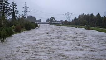 Die Reuss trat in Seefeld UR über die Ufer.