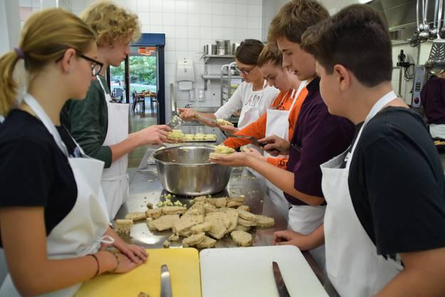 An den vierten Berufsinfotagen von Berufe Wohlen Plus, erhielten Schüler der 2. Oberstufe einen Einblick in verschiedene Berufe.