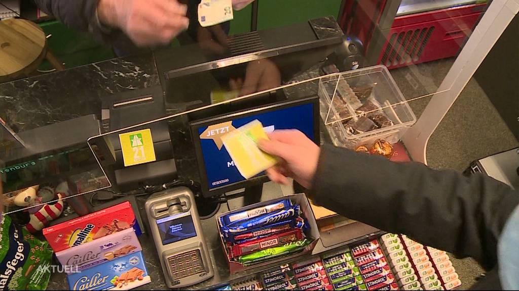 Umsatzeinbruch: An der Aargauer Grenze werden weniger Vignetten verkauft