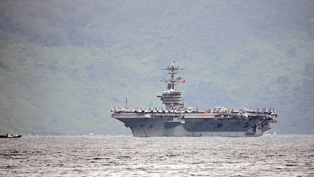 Corona auf US-Flugzeugträger: Amtierender Marineminister tritt ab