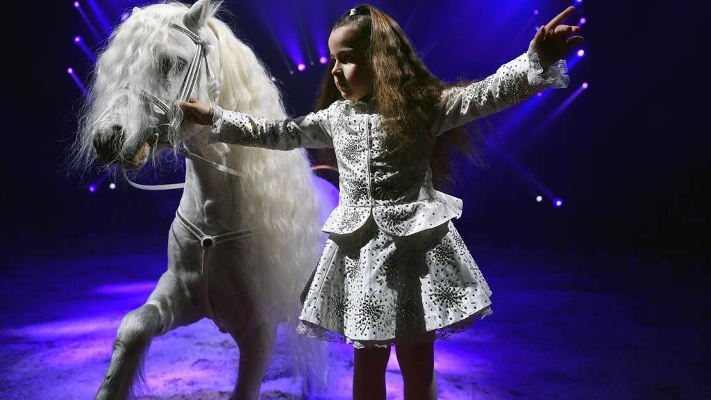 Textilmuseum zeigt 100 Jahre «Mode Circus Knie»