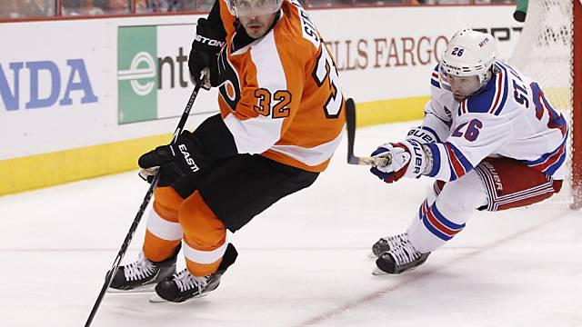 Mark Streit (l.) erzielte den einzigen Treffer für die Flyers
