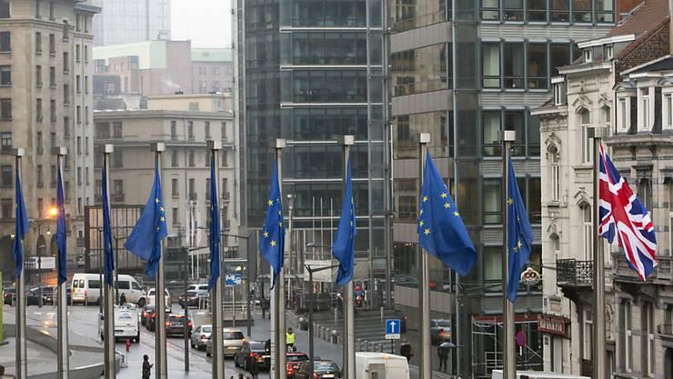Die Botschafter der 27 verbleibenden EU-Staaten haben sich am Freitag in Brüssel nicht auf die Frist für eine Brexit-Verlängerung einigen können. Solange es keine Entscheidung dazu gibt, ist das Risiko eines chaotischen EU-Austritts Grossbritanniens am 31. Oktober nicht gebannt. (Symbolbild)