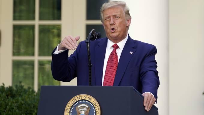 US-Präsident Trump erklärt die hohen Zahlen immer wieder mit der Vielzahl an Tests, die die USA mittlerweile durchführen.