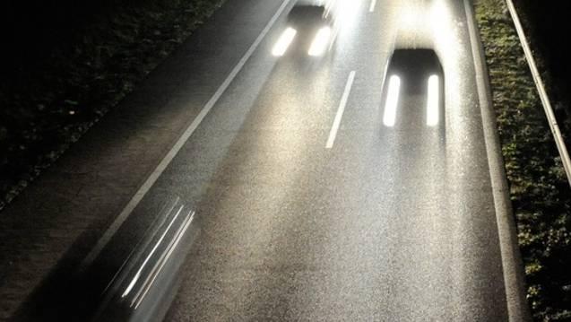 Durch Glück kam bei der nächtlichen Irrfahrt auf der Autobahn niemand zu Schaden. (Symbolbild)