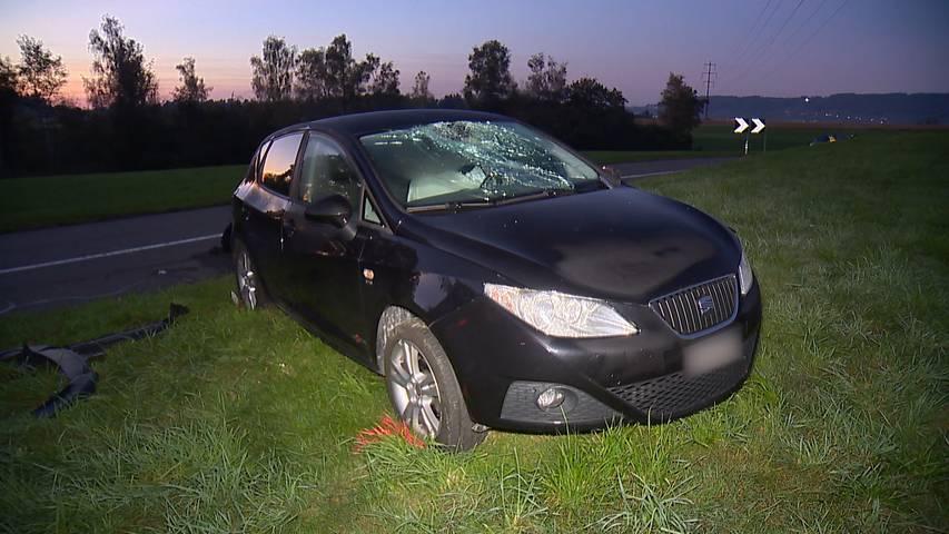 Eine Schwerverletzte nach Überholmanöver: Auto erfasst zwei Fussgänger in Friltschen (TG)