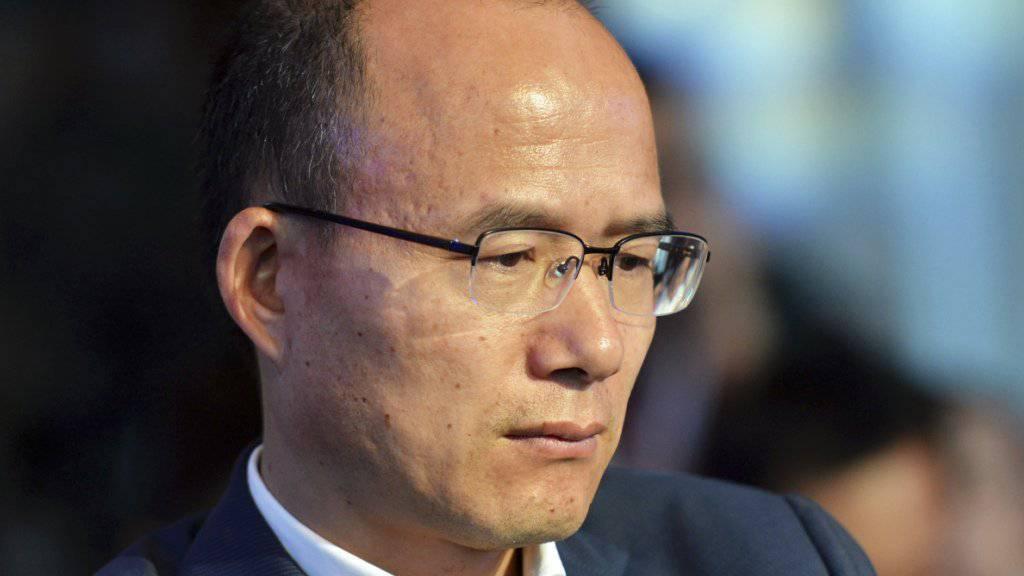 Der chinesische Unternehmenschef Guo Guangchang in einer Aufnahme vom vergangenen Juni: Nach vier Tagen rätselhafter Abwesenheit ist der Milliardär am Montag wieder aufgetaucht. (Archivbild)
