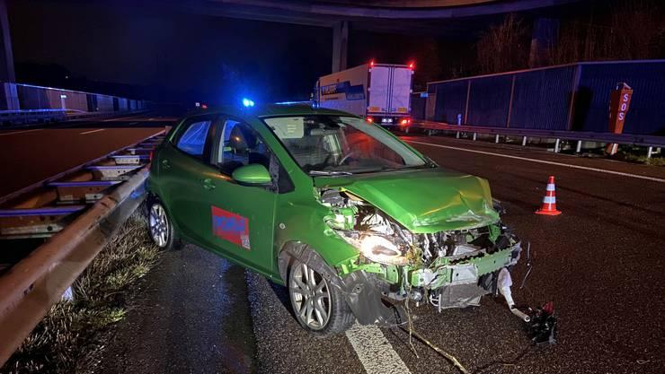 Eine Automobilistin hat auf der A1 bei Kölliken die Kontrolle über ihren Wagen verloren.