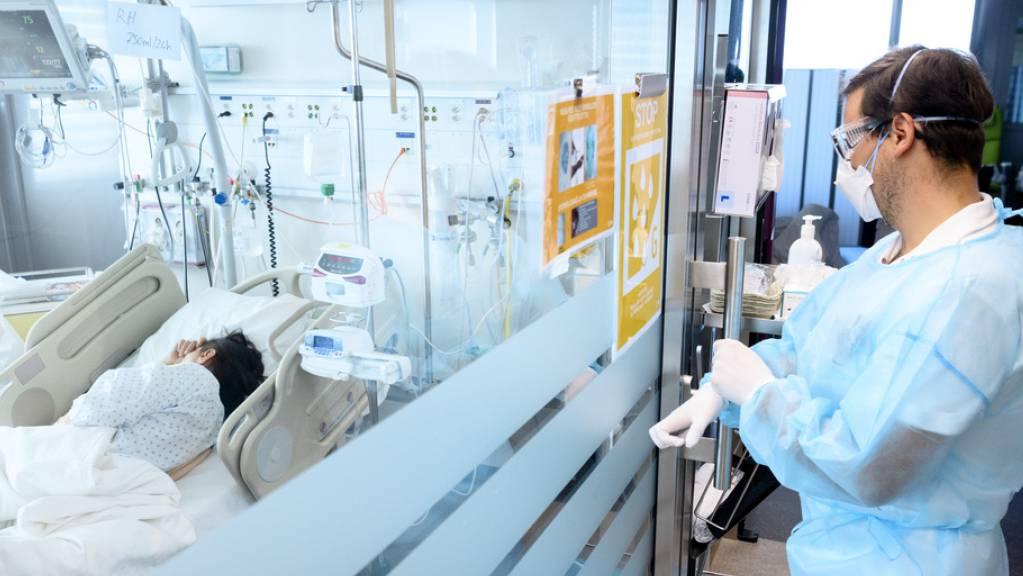Die Zahl der Ansteckungen und Spitaleinweisungen ist im Kanton Genf wie in der ganzen Schweiz stark angestiegen. (Archivbild)
