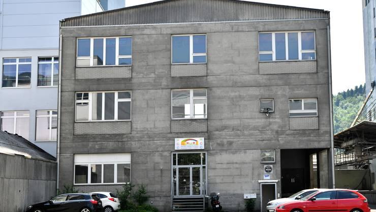 Ein möglicher Standort: die alte Brocki der Heilsarmee (im Vordergrund) in der Oltner Industrie.