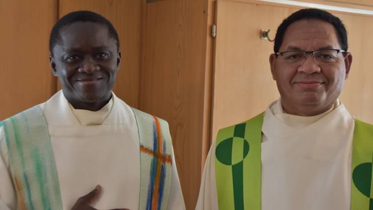 Abbé André (Burkina Faso) und Stefanus Wolo Itu (Indonesion) verkörpern die weltumfassende Kirche.