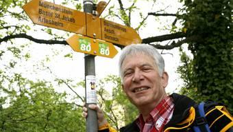 Beim 75-Jahr-Jubiläum der Schweizer Wanderwege 2009 war Werner Madörin noch zum Feiern zumute. Jetzt sitzt der Frust tief. BZ-Archiv/niz