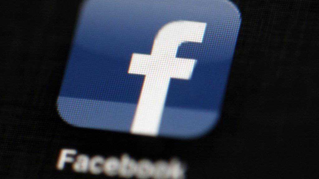 Facebook soll gemäss einem Gericht in Deutschland missbräuchlich Daten sammeln. (Symbolbild)