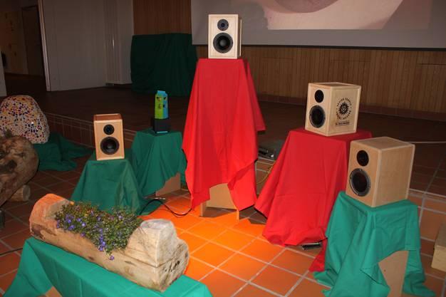 Lautsprecherboxen, gefertigt von Bachtelen-Schülern