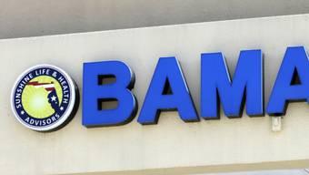 """Ein """"Obamacare""""-Schild an einer Filiale einer Krankenversicherung in Hialeah im US-Staat Florida. (Archivbild)"""