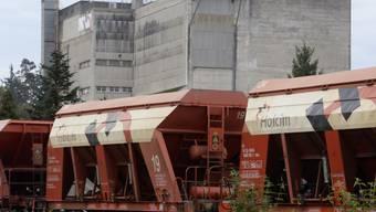 Güterwaggons des Zementherstellers Holcim (Archiv)