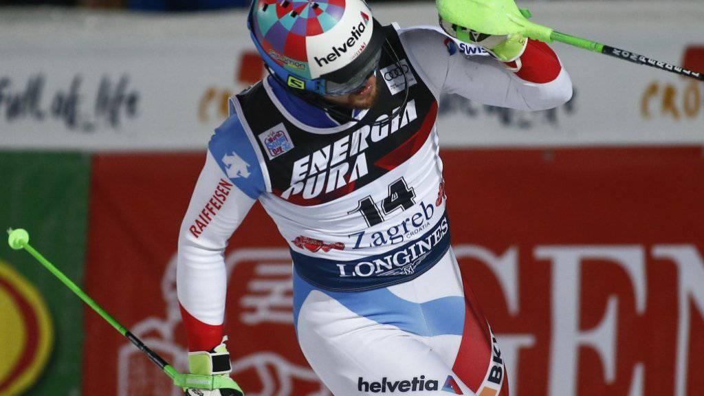 Luca Aerni freut sich nach dem zweiten Lauf in Zagreb