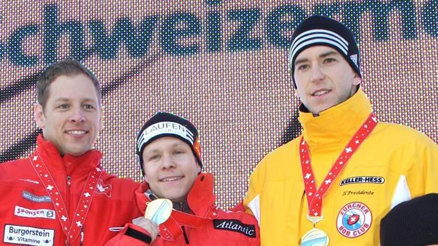 Das Siegertreppchen: Silbermedaillengewinner Pascal Oswald, Schweizer Meister Lukas Kummer und Michael Höfer (von links). Foto: ZVG