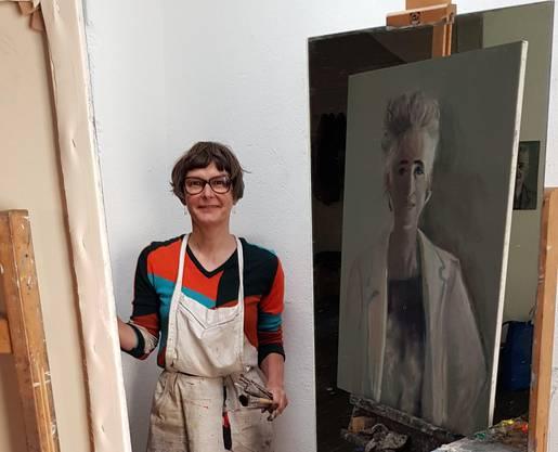 Die Künstlerin Andrea Muheim im eigenen Atelier. Bild: Kanton Zürich