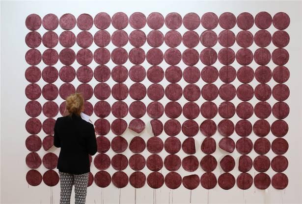 Die «Spots» von Franziska Baumgartner (*1987) wurden zum Teil direkt an die Wand gemalt und sind äusserst dekorativ.