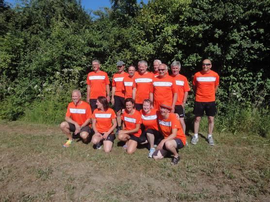 Das Siegerteam mit Sponsor Peter