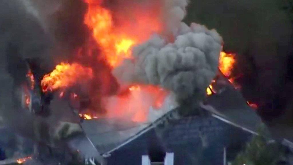 Eine Serie von Gasexplosionen in der US-Stadt Lawrence bei Boston zerstörte mehrere Häuser.