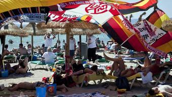 Mallorca schmiedet neue Pläne gegen den anhaltenden Alkoholtourismus auf der Insel. Die Balearenregierung plant ein neues Gesetz, um das negative Image Mallorcas als Partyinsel endlich in den Griff zu bekommen.