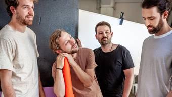 Die vier Jungs von The Espionne haben drei neue Songs herausgebracht.