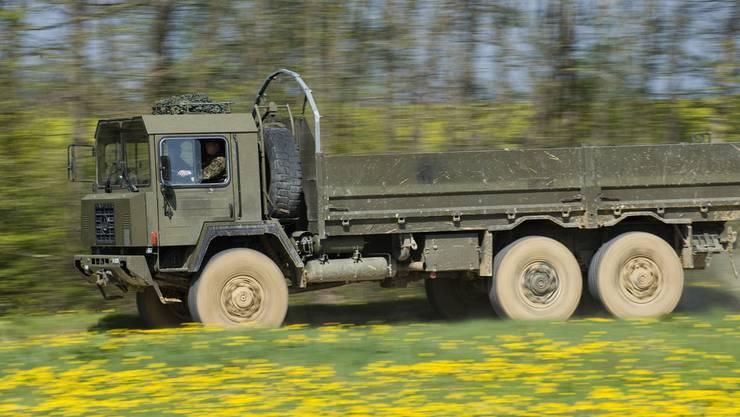 Schweizer Armee soll neue Fahrzeuge erhalten.