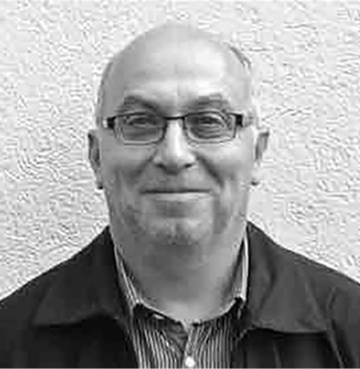 Der Französisch- und Geschichtslehrer Didier Moine (56) unterrichtet seit 1992 am Gymnasium Liestal. Er hat dort das Projekt bilinguale Matur auf Französisch und Deutsch, wie es nun schon seit 16 Jahren läuft, mit aufgebaut. Moine ist in Basel und Muttenz als Sohn eines jurassischen Vaters und einer Walliser Mutter aufgewachsen. Das habe ihn zu einem «bikulturellen» Menschen gemacht, der zu Hause Französisch und ausser Haus Deutsch gesprochen habe.