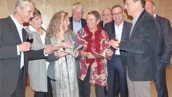 Kommission des Rheinfelder Neujahrsblattes (von links): Christoph Heid, Brigitte Wunderlin, Ute W.Gottschall, Andres Baltzer, Lotti Berner, Robert Conrad, Valentin Müller, Lucas Furtwängler, Walter Herzog. Ari