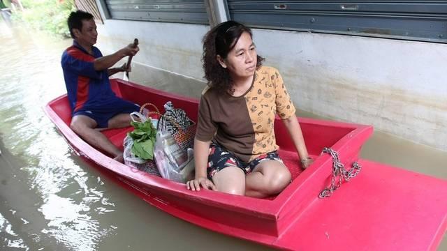 Die heftigen Regenfälle bestimmen gegenwärtig den Alltag vieler Menschen in Thailand