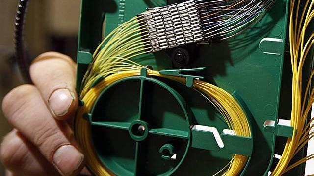 Anschluss eines Glasfasernetzes.