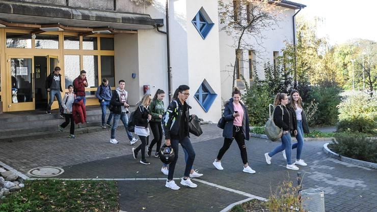 Entscheid im Seetal: Die Bezirksschule Fahrwangen wird 2020 aufgehoben. (Archiv)