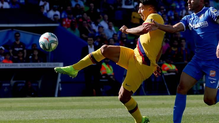 Luis Suarez trifft mit einem Heber zum wegweisenden 1:0 für Barcelona