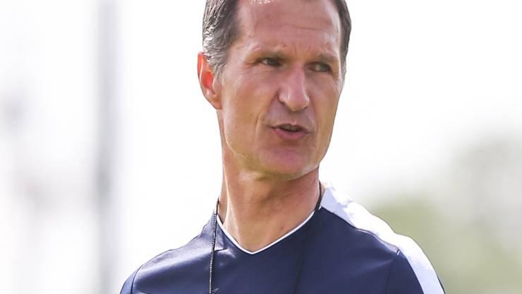 Auf dem Trainingsplatz hat er das Sagen: Dariusz Skrzypczak während einer Übungseinheit von Lech Posen.