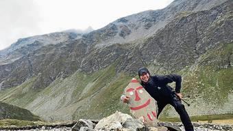 Hat gut lachen: Für Roland Gröflin aus Rheinfelden läuft es auf seiner Tour rund um die Schweiz rund. Auf der Tour sind Gröflin und sein Team mit dem Camper unterwegs.
