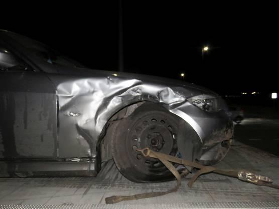 Ersten Erkenntnissen zufolge dürfte die BMW-Fahrerin den Vortritt missachtet haben