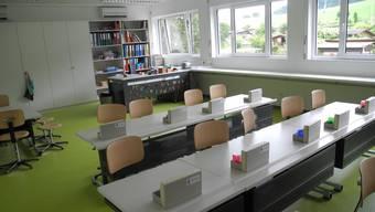 Impressionen vom Schulhaus-Provisorium «WolfsmAttika»