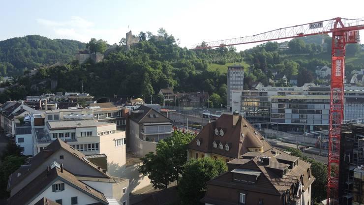 Blick über Baden: Die Stadt will höhere Bauten erlauben. (Archiv)