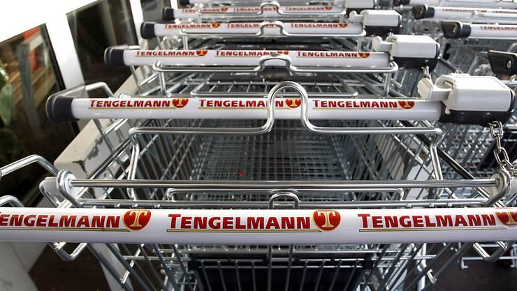 Einkaufswagen eines Tengelmann-Supermarktes. Die Zürcher Migros-Genossenschaft bringt sich als mögliche Käuferin von Tengelmann-Supermärkten ins Spiel.