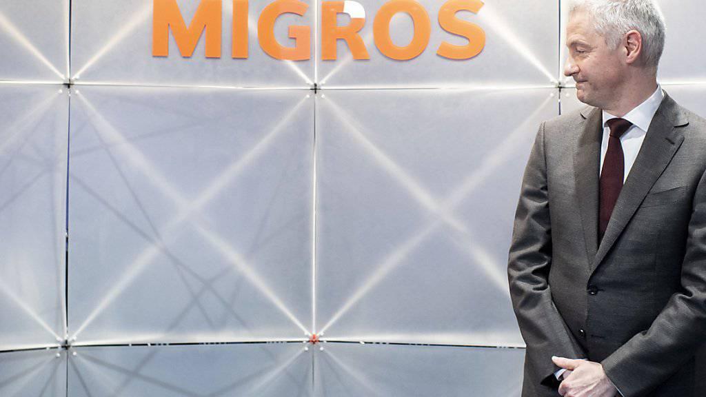 Migros-Chef Fabrice Zumbrunnen sucht für den Verkauf von Globus, Interio, Depot und M-Way nach Interessenten, die gewillt sind, in die Firmen zu investieren.(Archivbild)