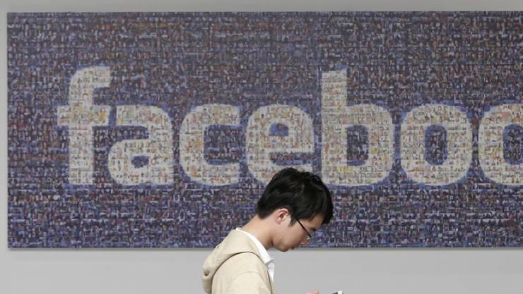 Facebook hat mittlerweile 1,59 Milliarden Nutzer weltweit. (Archiv)